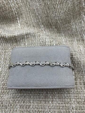 Lovely Diamond Tennis Bracelet