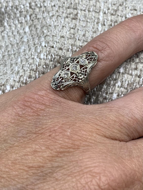 Antique White Gold Filigree Diamond Ring