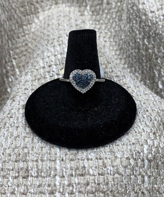 13 Pts Blue And White Diamond Heart Cluster Ring
