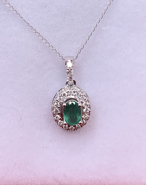 Oval Emerald Diamond Halo Necklace