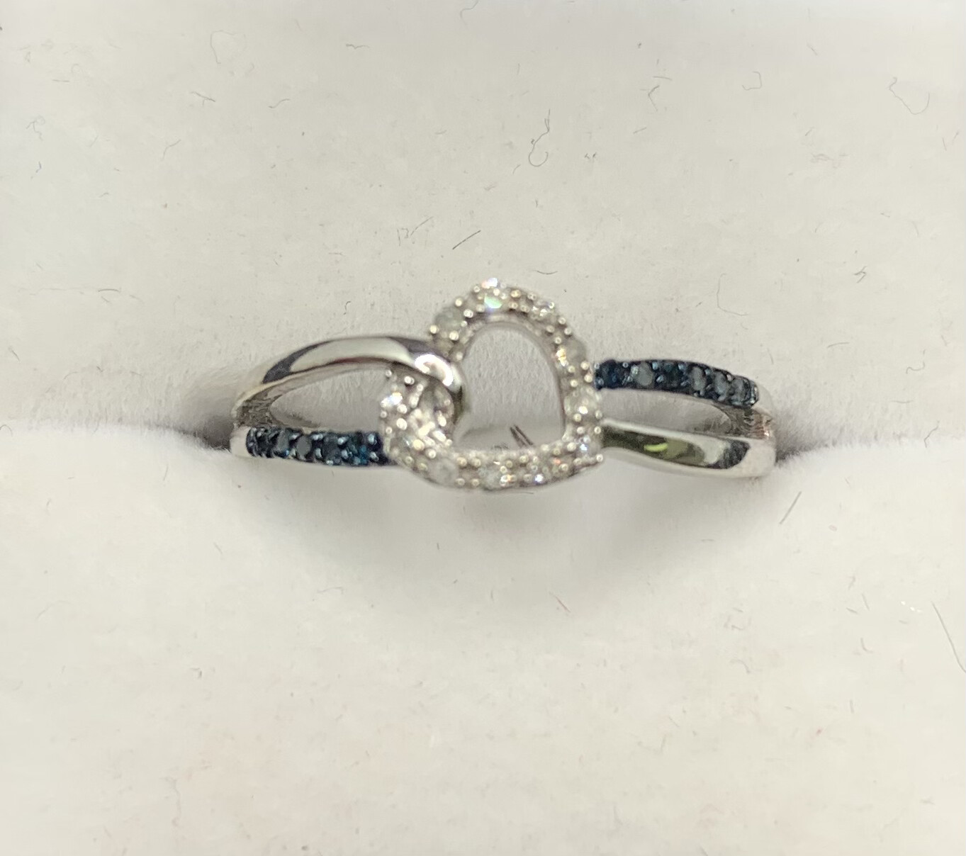 Blue And White Diamond Heart Ring
