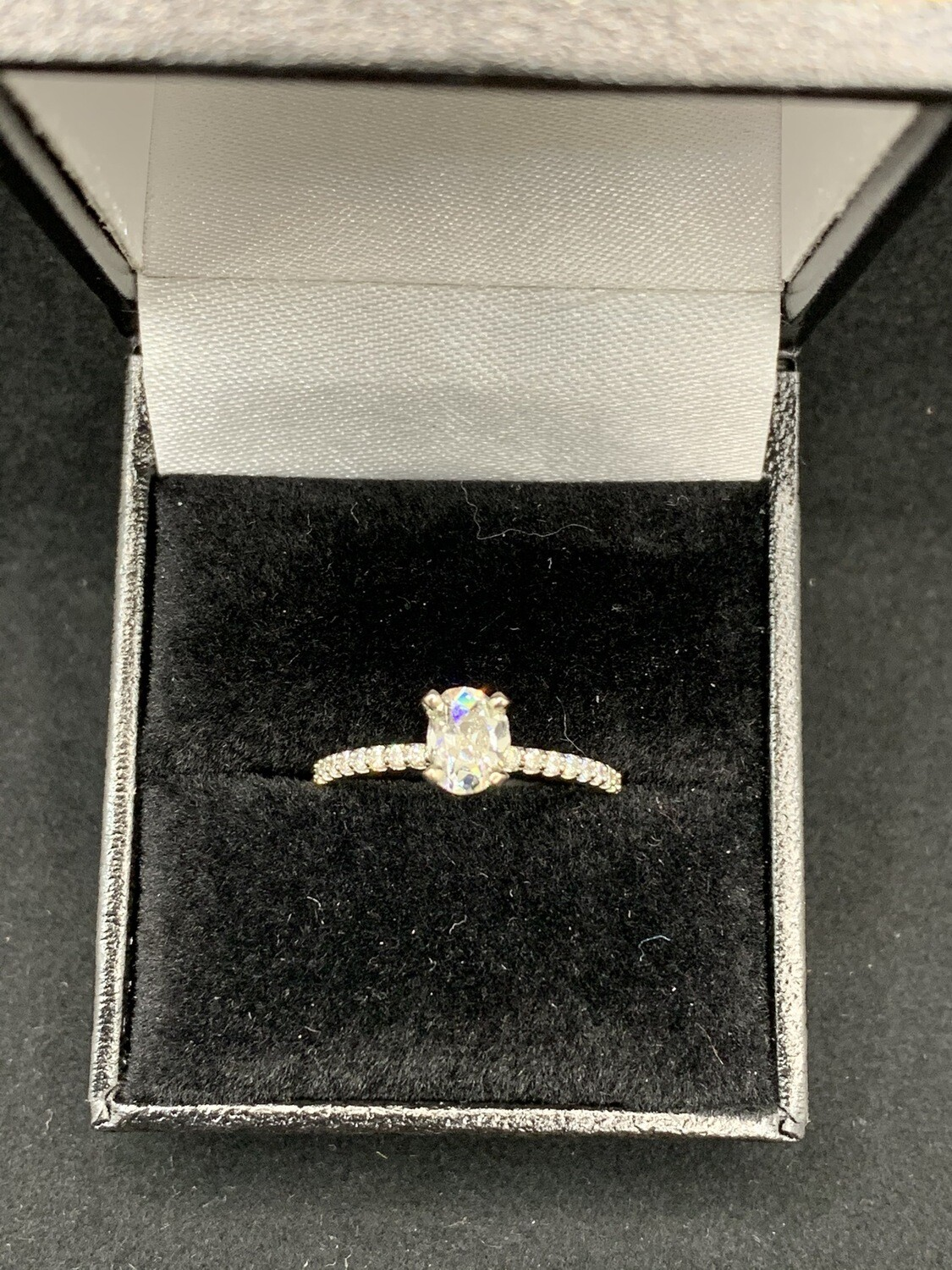 Stunning Si2 G 69 Pt Oval Cut Diamond Cathedral Mount With 25 Pt Diamond Accent Sides Engagement Ring