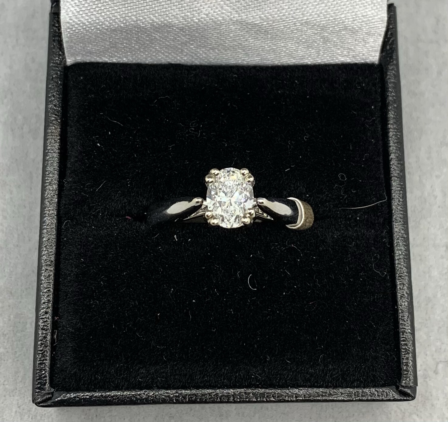 .91 Ct Si D Stunning Oval Cathedral Mount Engagement Ring