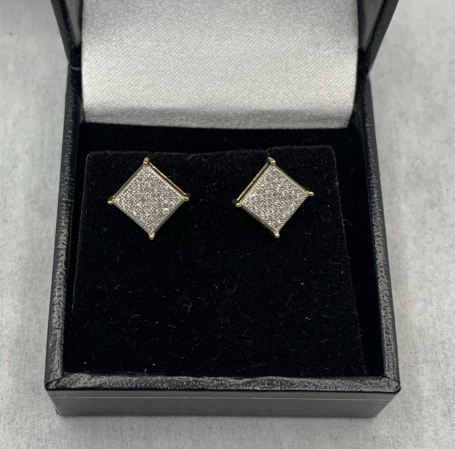 10kt Yellow Gold 25 Pt Diamond Grid Square Post Earrings