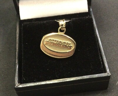 PITTSBURGH PENGUIN PUCK PENDENT 10 KT. YELLOW GOLD