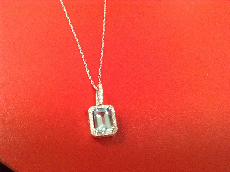 GENUINE AQUAMARINE NECKLACE 1/8 CARAT DIAMONDS 3/4 CARAT AQUAMARINE 14 KT GOLD MSRP $ 1348.00