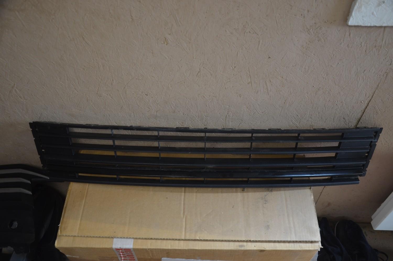 Решетка бампера Volkswagen Polo Рестайлинг