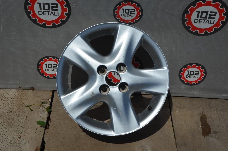 Диск литой Toyota Yaris R15