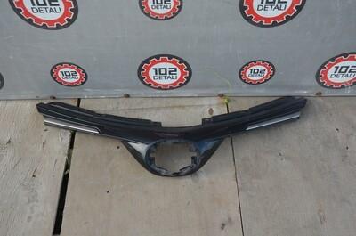 Решетка радиатора Toyota Rav 4