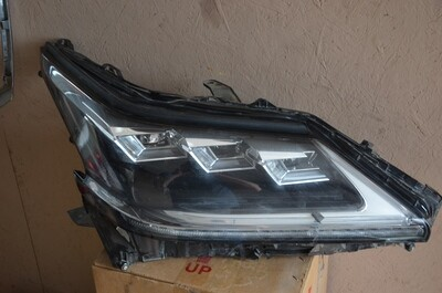 Фара правая Lexus LX570