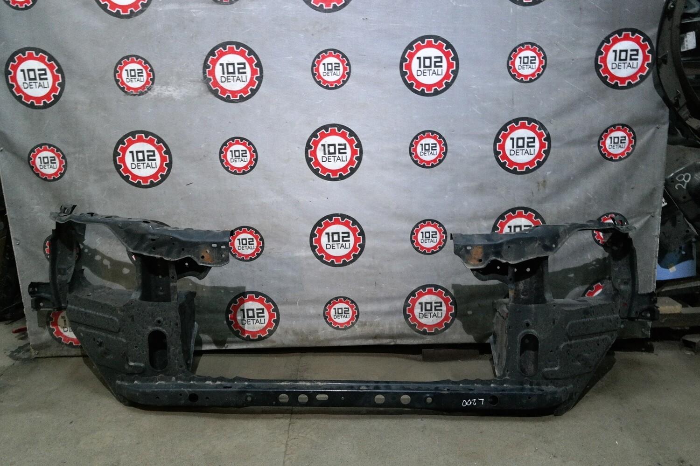 Панель передняя Toyota Land Cruiser 200