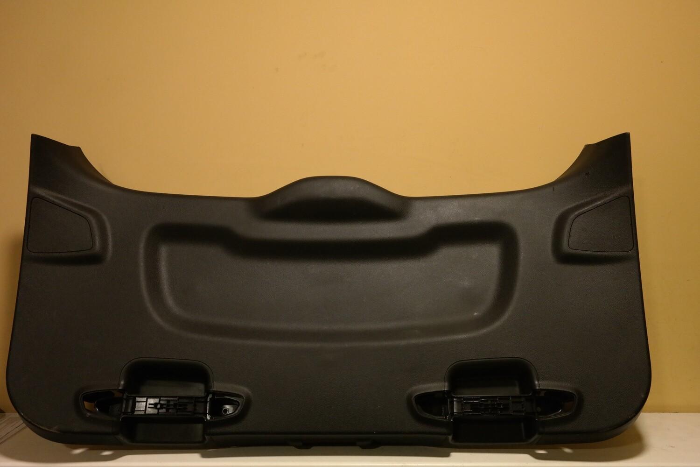 Обшивка двери багажника Ford Focus 3