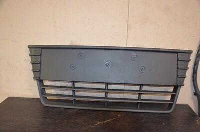 Решетка бампера центральная Ford Focus 3