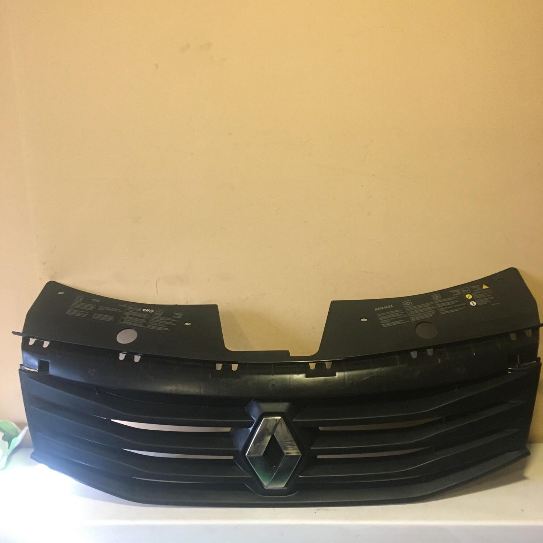 Решетка радиатора Renault Sandero