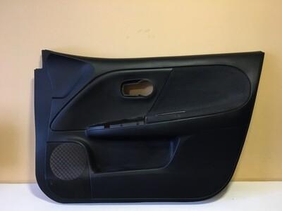 Обшивка двери передней правой Nissan Note E11