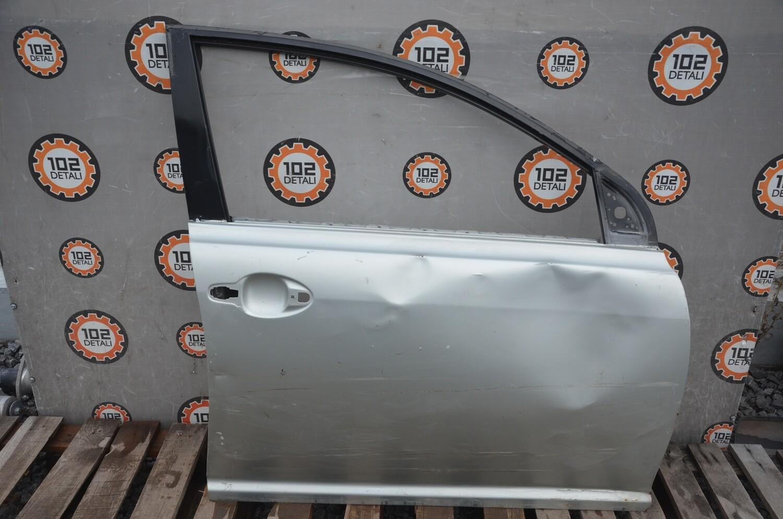 Дверь передняя правая Toyota Avensis T250