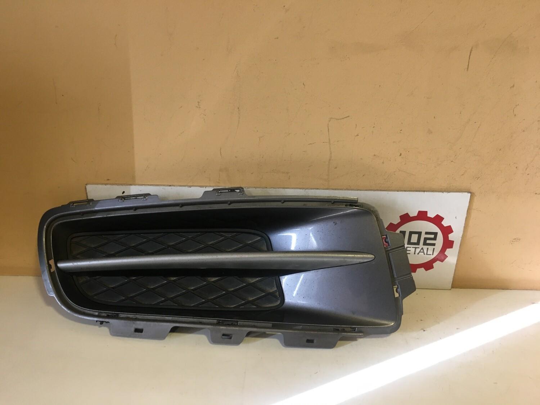 Решетка в бампер правая BMW X5 E70