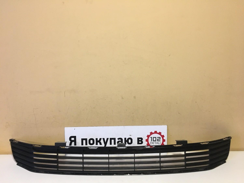 Решетка переднего бампера Toyota Camry V50