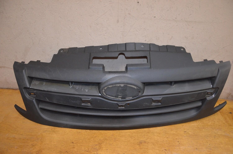 Решетка радиатора Lada Granta