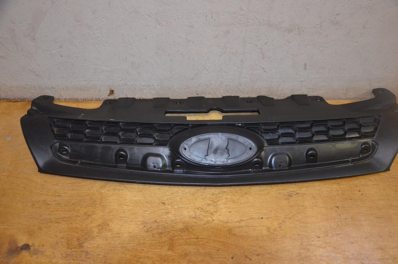 Решетка радиатора Lada Kalina 2