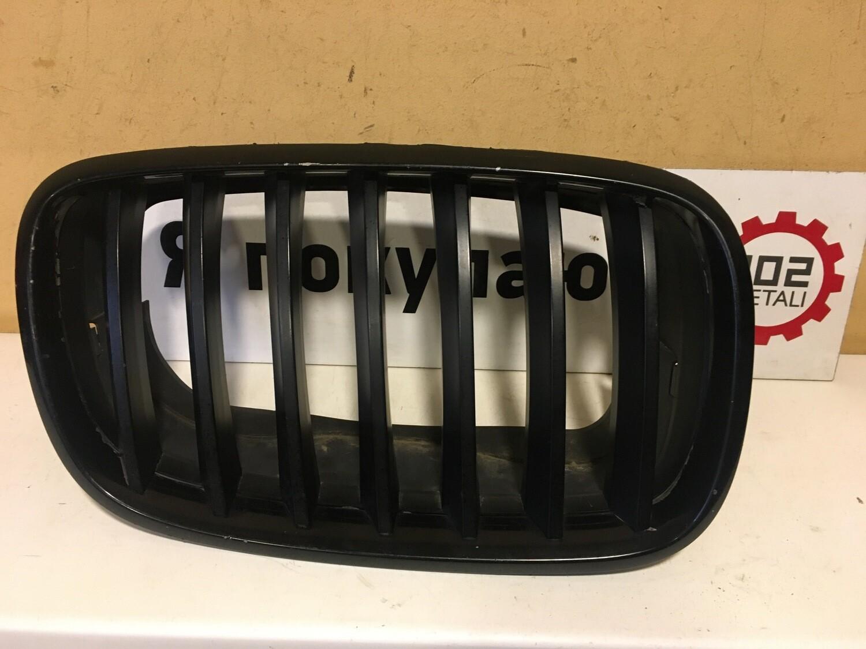Решетка радиатора левая BMW X5 E70 / X6 E71