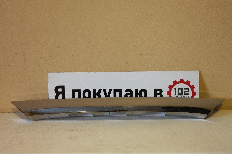 Накладка крышки багажника Toyota Corolla E180
