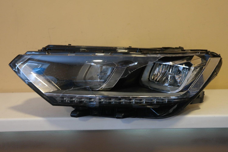 Фара левая Volkswagen Passat B8 LED (2015--)