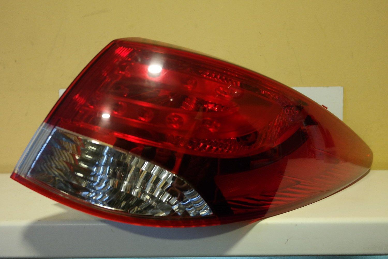 Фонарь задний наружный правый Hyundai ix35