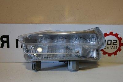 Фара дневного света левая Toyota Highlander 3 LED