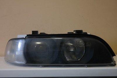 Фара правая BMW 5-Series E39 Xenon