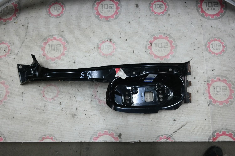 Кронштейн фонаря левого Renault Duster