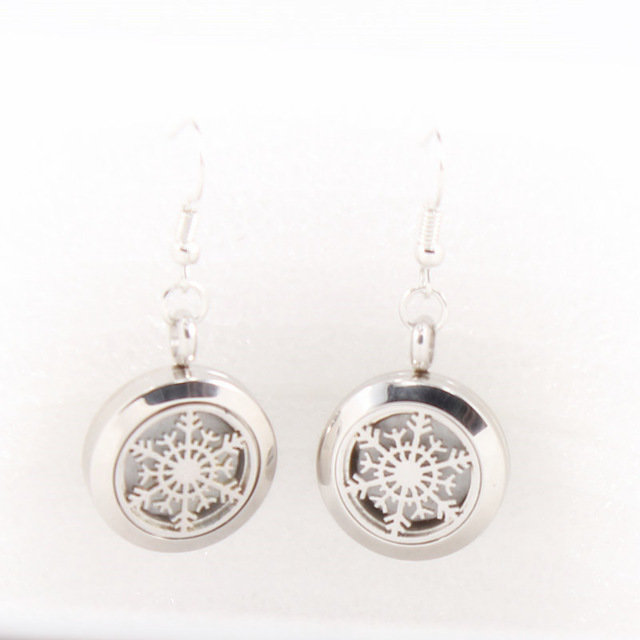 Jewelry/Earrings ~ Aromatherapy Diffuser Earrings - Snowflakes
