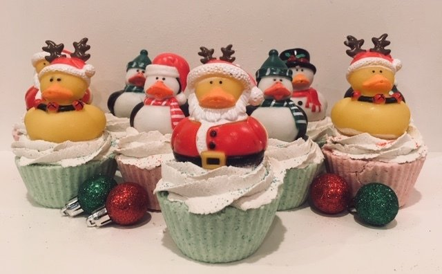 Bath Fizzy - Signature Little Squirts Holiday Regular Sized Cupcake w/Bubble Soap Frosting - 5.3 oz.