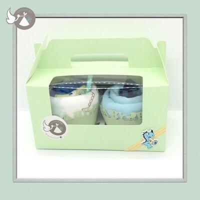 2 cupcakes :
