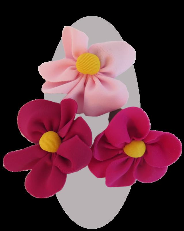 Daisy Pins   various colours
