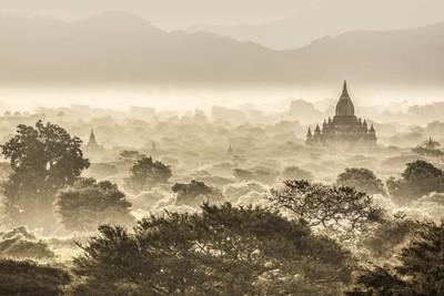 Dans la brume de Bagan - Myanmar 2017