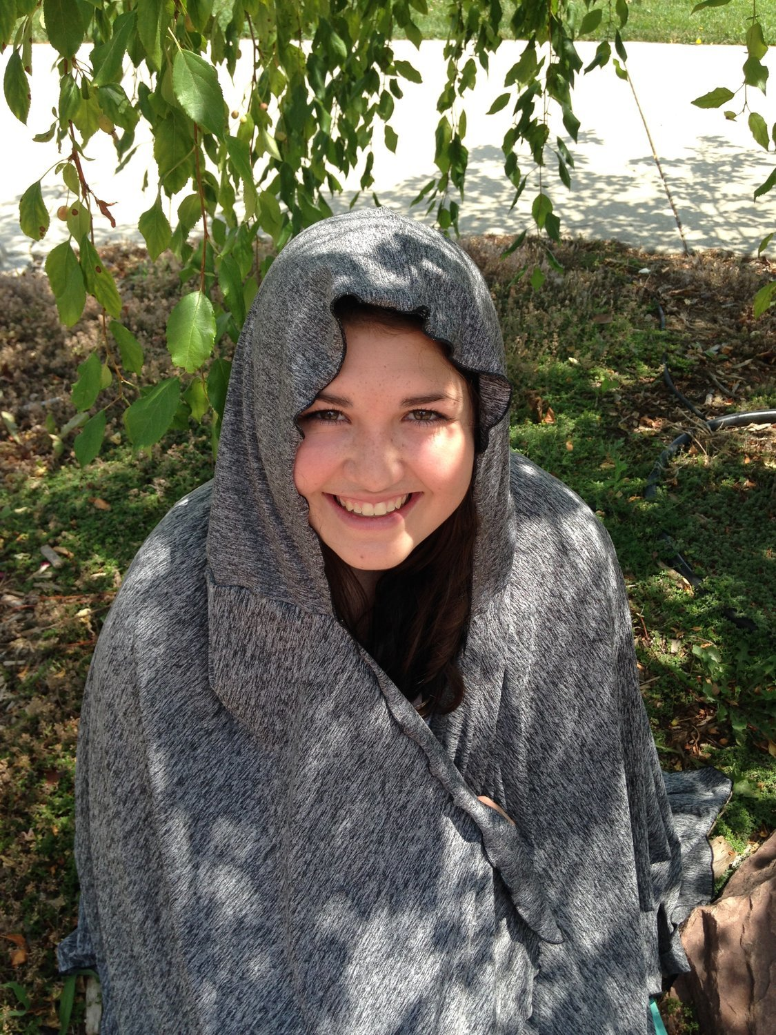 SPF 50 Short Hooded Shawl Grey