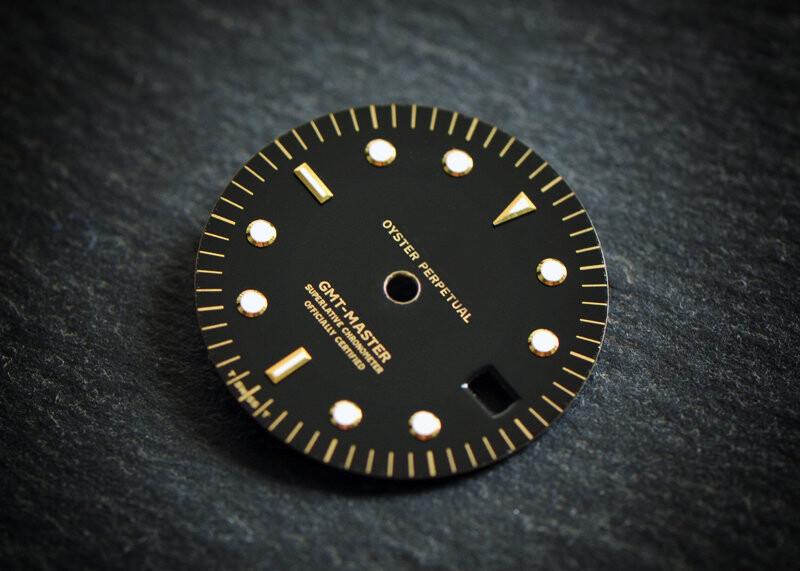 GMT 1675 Black Nipple gloss wht lume dial