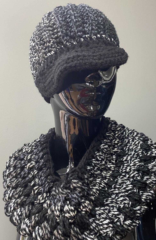 Newsboy Black/White Crochet Set