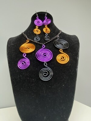 Wired Rings of Music Necklace Set