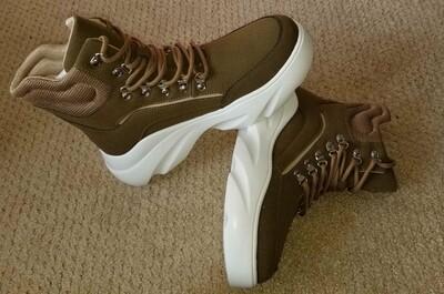 Aston Boot