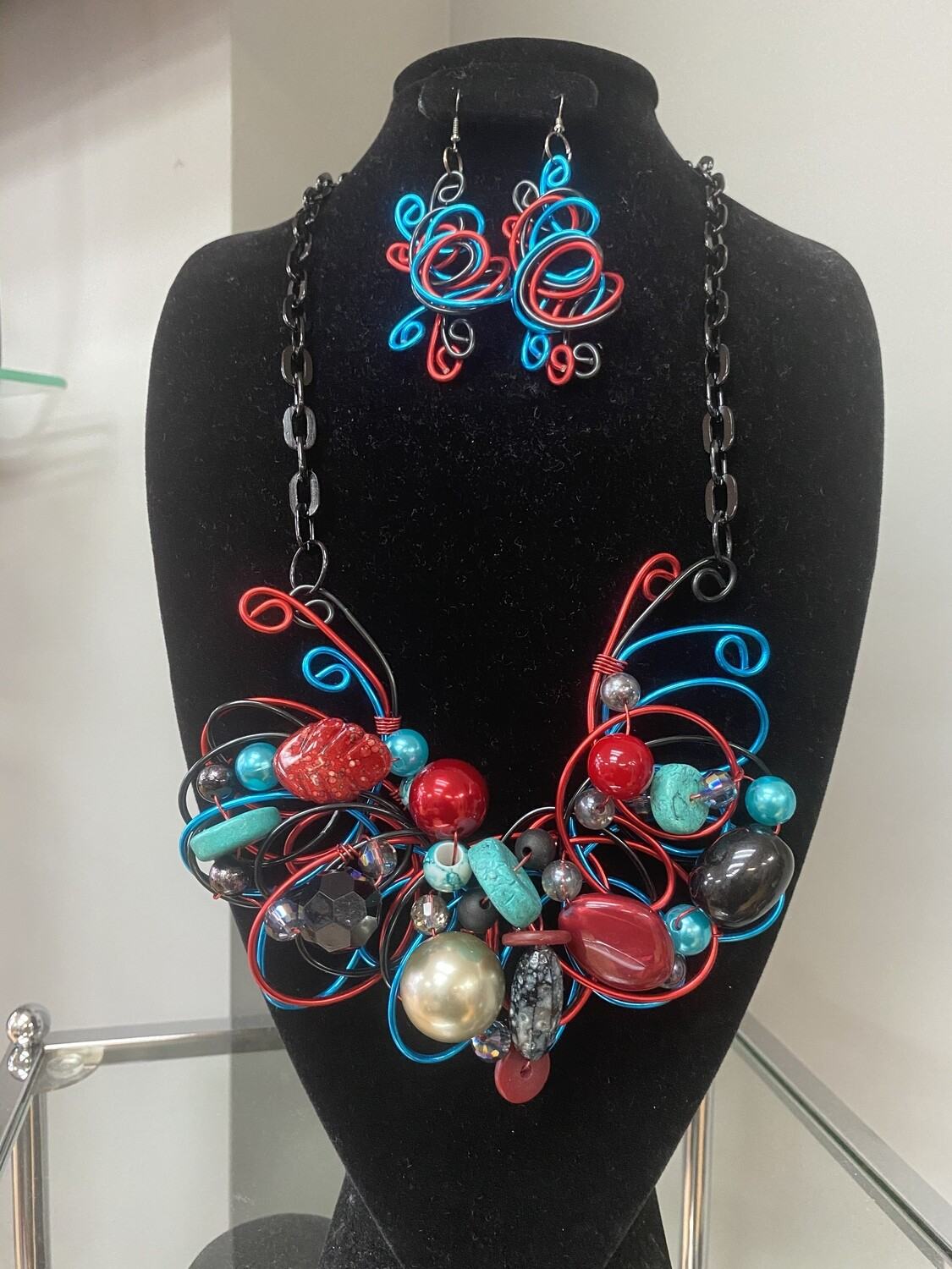 Wired Red Blend Necklace Set