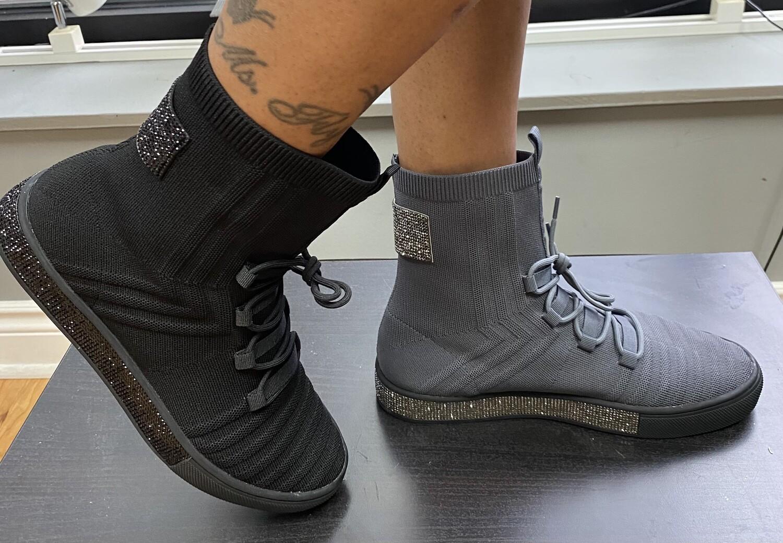 Sparkle Memory Foam Sneaker - Black