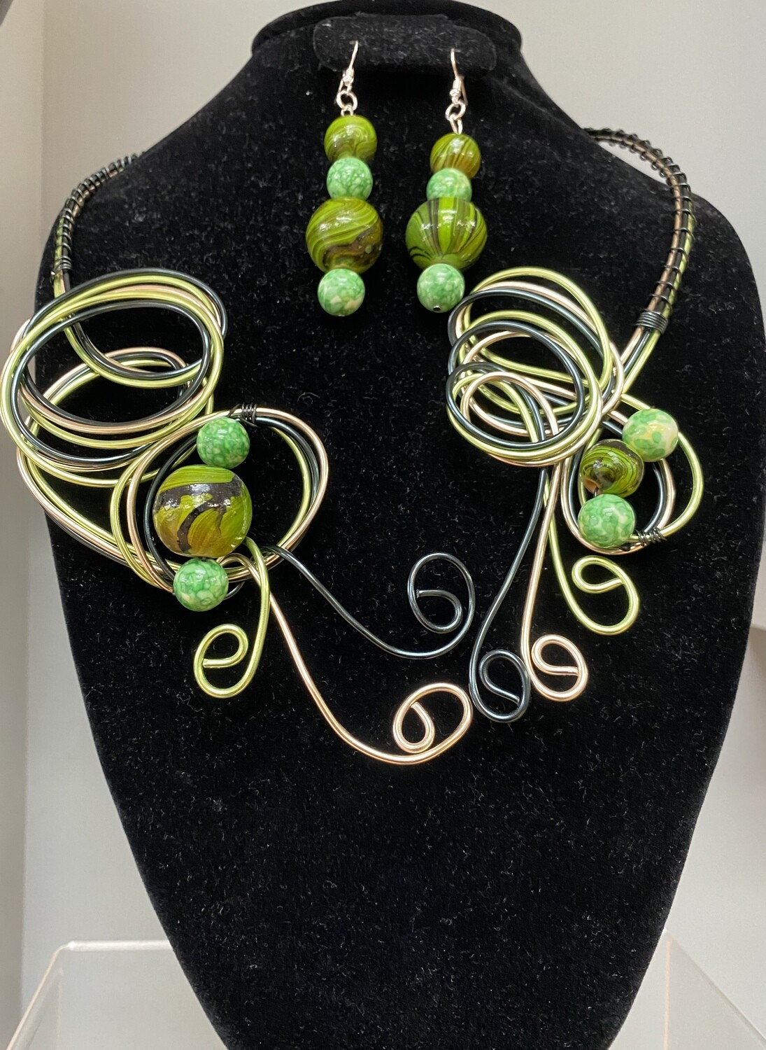 Green Wire Beaded Necklace Set