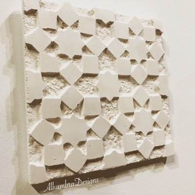 Geometric square tile (medium)