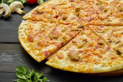 """Пицца """"С белыми грибами и беконом"""""""
