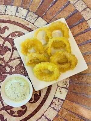 Кольца кальмара с сырно - чесночным соусом