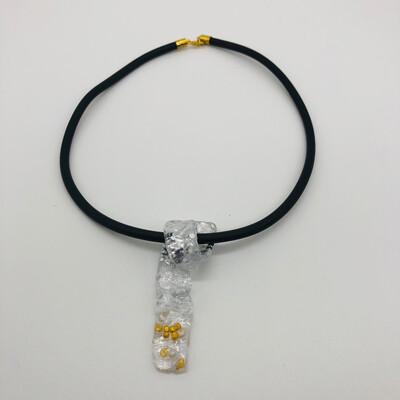 Halskette mit Anhänger transparent/gold