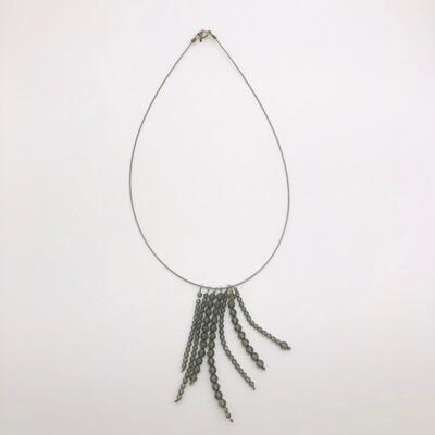 Halskette mit facettierten Swarovskikristallen