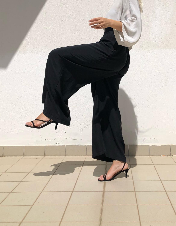 Completo Pantalone a palazzo + Blusa con scollo a V misto seta bianco/nero